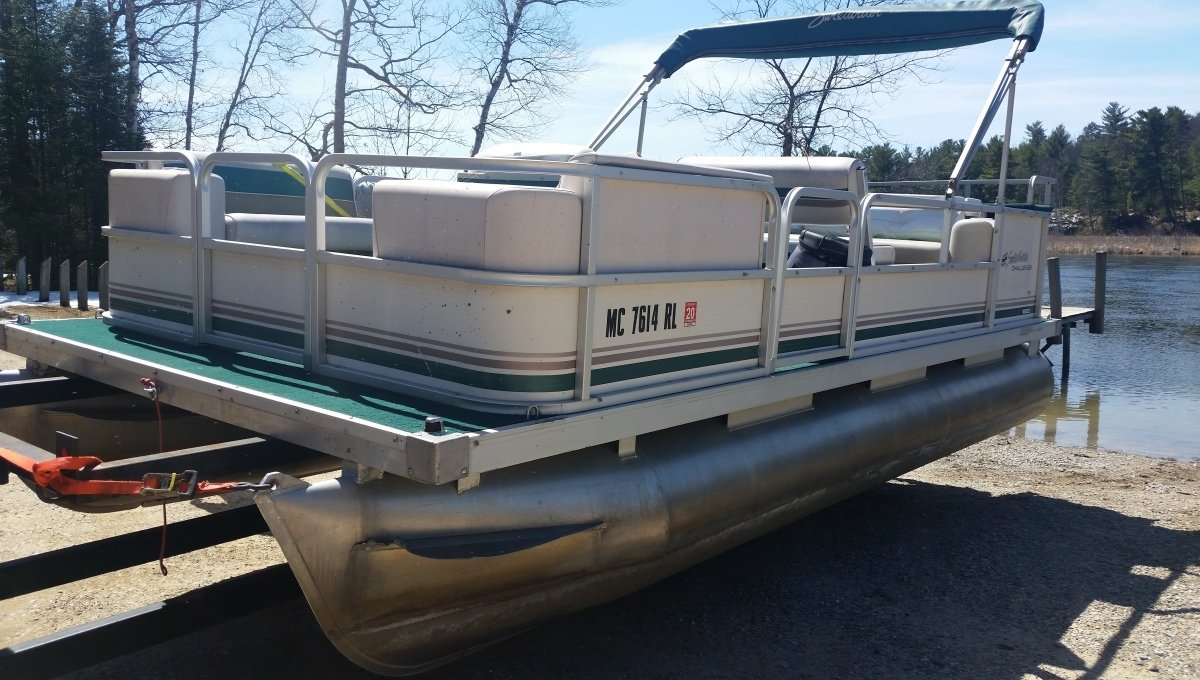 Pontoon Rental: Rollway Resort, Hale MI
