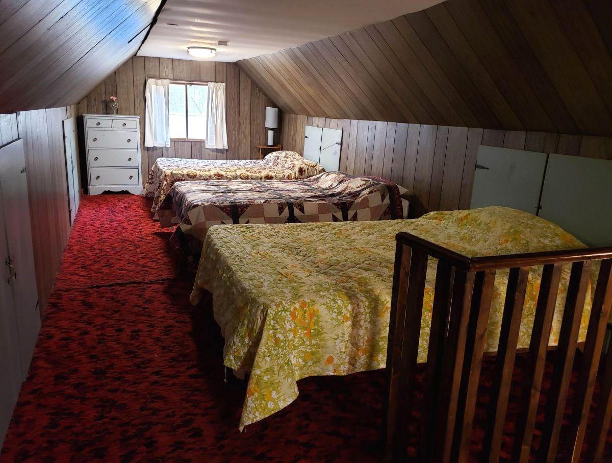Hale, MI Vacation Rentals: Rollway Resort