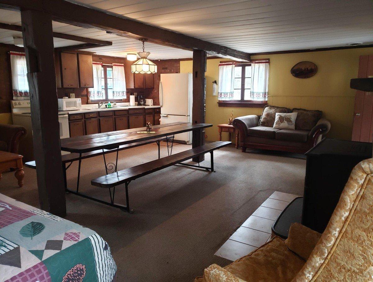 Rollway Resort: Au Sable River Rentals