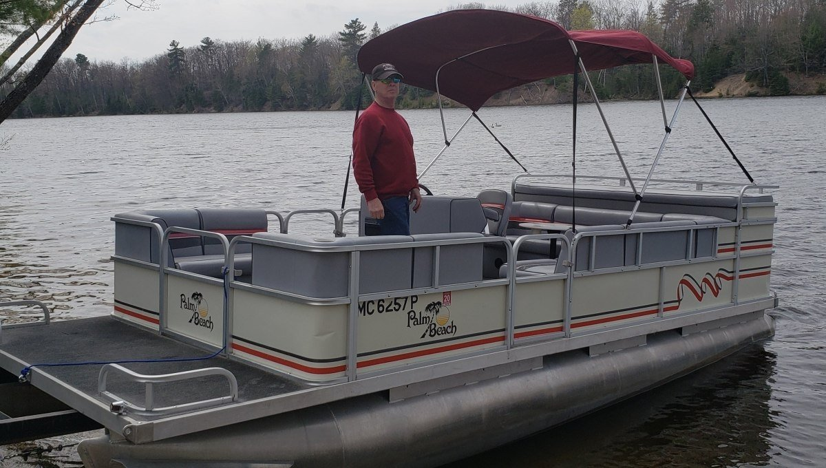 Pontoon boats for rent in Hale, MI from Rollway Resort.
