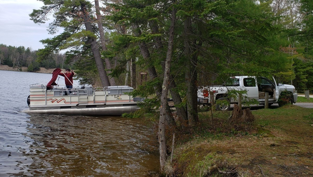 Rental Pontoon Boat Delivery: Rollway Resort, Hale MI