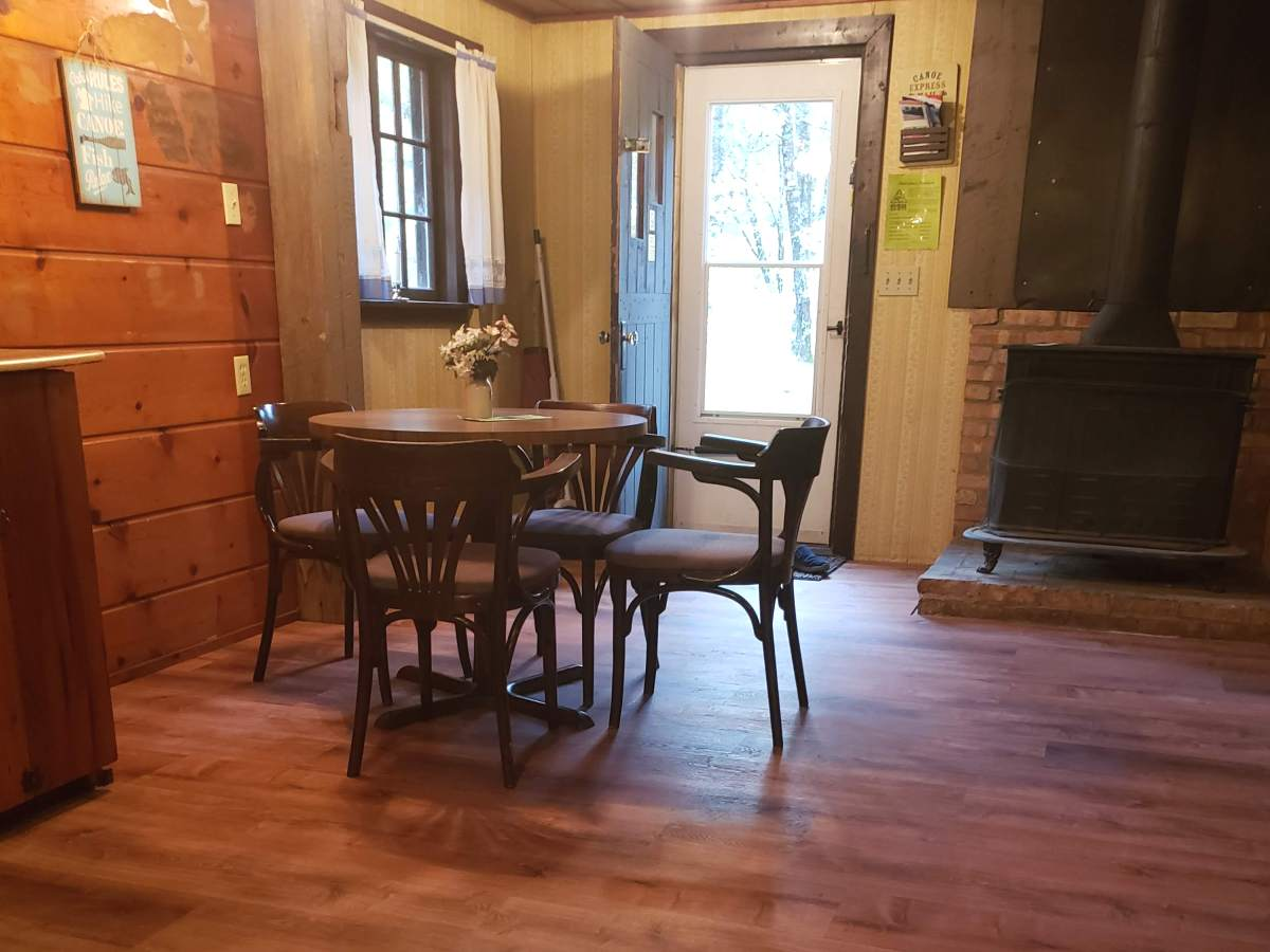 Au Sable River Cabins for Rent: Dining Area